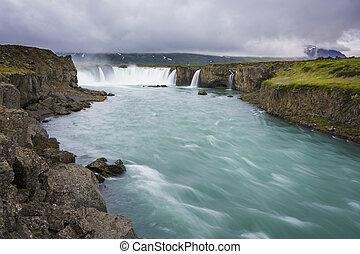 splendido, godafoss, cascate, in, nord, iceland., lento,...