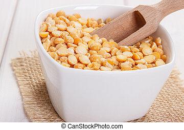 Split peas containing zinc and dietary fiber, natural...