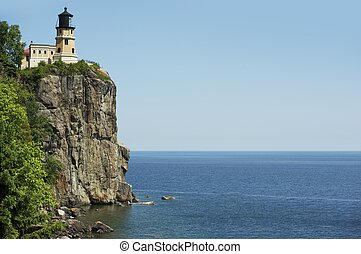 Split Rock Lighthouse and Lake Superior in Northern State of Minnesota, USA. Southwest of Silver Bay, MN. Completed in 1910 by the United States Lighthouse Service.