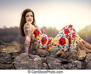 spoczynek, kobieta, skała