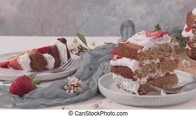Sponge cake with fresh strawberries - Strawberry cake, ...