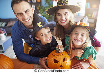 spooky, famille heureuse, portrait