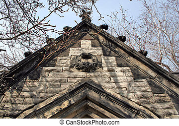 Spooky Mausoleum Top - A spooky looking top of a old ...