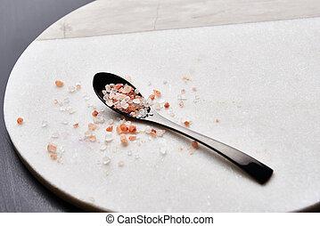 Spoon of pink himalayan salt