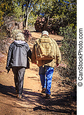spoor, hikers