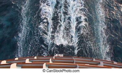 spoor, op, water, aanzicht, van, bovenzijde, dek, van, cruiseschip