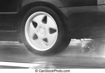 sport, auto, treiben schnell, in, a, regnerischer tag