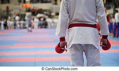 sport, teenager, -, kind, sportler, an, karate, tatami, -, bereit, für, kampf