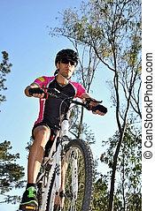 sportember, lovaglás, hegy bicikli