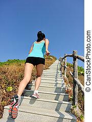 sporten vrouw, rennende , op, berg