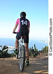 sportif, équitation, vélo tout terrain