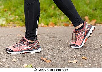 sportiva, primo piano, scarpe
