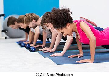 sportowy, sala gimnastyczna, grupa, młodzież