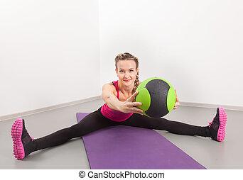 sportowy, wykonuje, sala gimnastyczna, kobieta, młody
