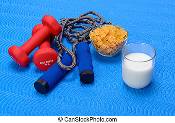 Breakfast with milk and cornflakes. Frame, healthy. - Sports...