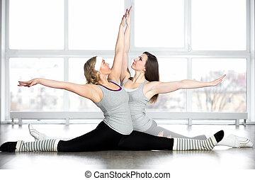 sporty, jovem, dançarinos, fazendo, divisões