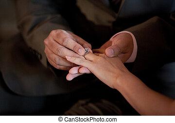sposa, anello, mettere, dito, matrimonio