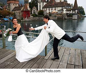 sposa, sorridente, suo, inseguire, sposo