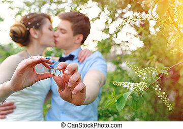 sposa, sposo, anelli, presa a terra