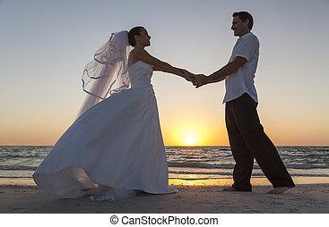 sposo, coppia, sposato, sposa, tramonto, matrimonio, spiaggia