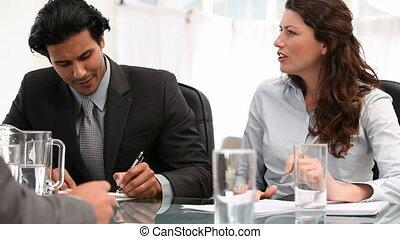 spotkanie, dwa, rozmawianie, ludzie