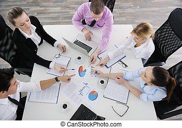 spotkanie, grupa, młody, handlowy zaludniają