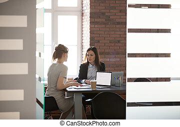 spotkanie, praca, planowanie, r, dyskutując, businesswomen, projektowanie