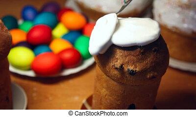 Easter cake. - Spread the cream on Easter cake.