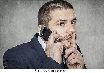 sprechende , geschäftsmann, ruhe, fragt, telefon