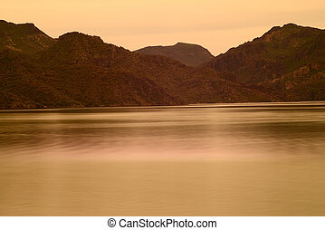 Spring at Saguaro lake in Arizona