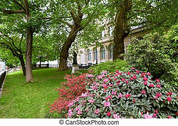 Spring park in Paris