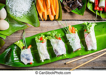 Spring rolls with fresh vegetables