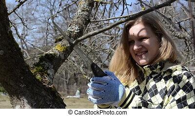 spring works garden woman