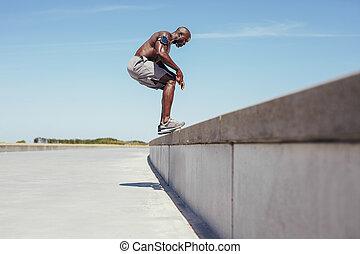 springende , athlet, junger, workout, shirtless