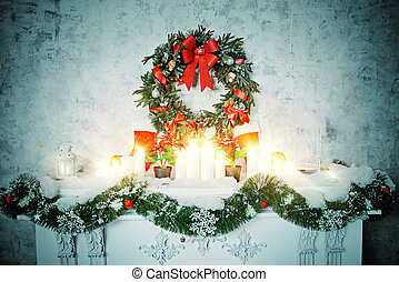 spruce garland - Home interior. A room with a fireplace...