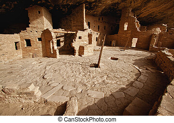 Spruce Tree House dwelling in Mesa Verde, CO - view of the...