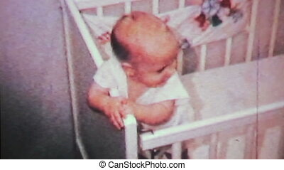 sprytny, chłopiec niemowlęcia, w, jego, crib-1964, 8mm
