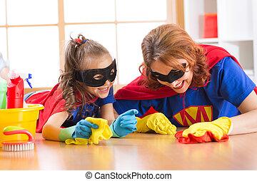 sprytny, kobieta, córka, podobny, jej, podłoga, ubrany, czyszczenie, uśmiechanie się, superheroes, koźlę