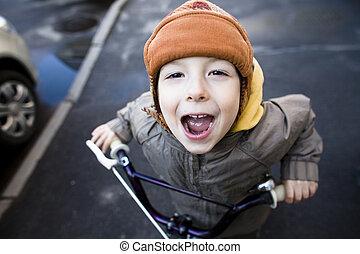 sprytny, mały, hamak, uśmiechanie się, chłopiec