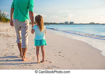 sprytny, mały, jego, córka, ojciec, plaża, szczęśliwy