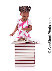 sprytny, mały, ludzie, -, biały, książka, odizolowany, amerykanka, czarne tło, afrykanin, dziewczyna czytanie, dzieci