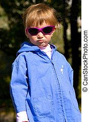 sprytny, mały, sunglasses, dziewczyna