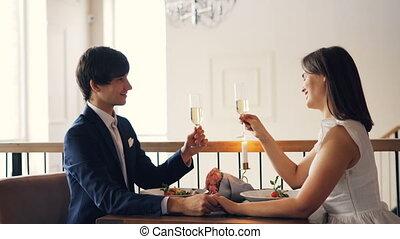 sprytny, restaurant., romantyk, concept., okulary, iskrzasty...