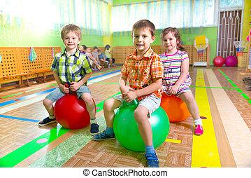 sprytny, sala gimnastyczna, dzieci