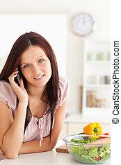 sprytny, używając, kobieta, cellphone