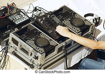 spur,  DJ, spielende
