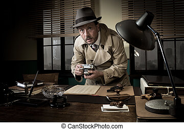 Spy agent caught stealing informations - Retro spy agent...