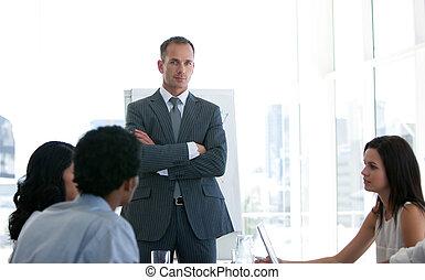 squadra affari, parlare, circa, uno, affari nuovi, piano