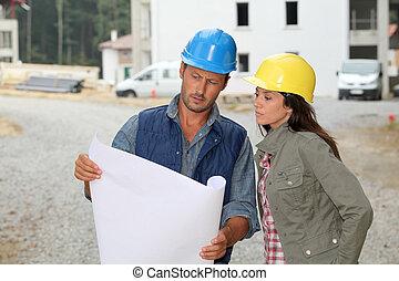 squadra, di, architetti, controllo, progetti, su, luogo