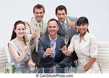 squadra, successo, affari, champagne, ufficio, festeggiare, felice